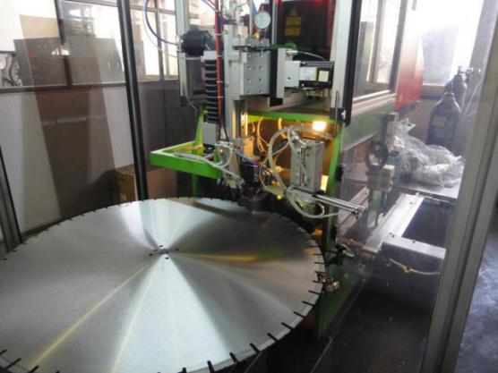 激光焊接之银天金刚石锯片生产工艺